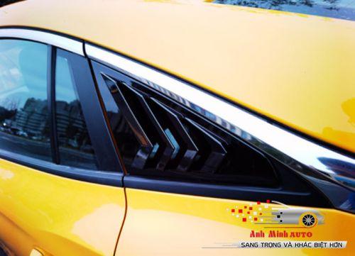 Ốp dải nẹp kính đuôi xe phong cách thể thao MG5